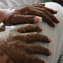 Bruidshenna bij Ikram